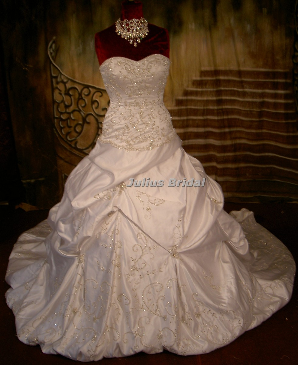 Wanted new or used oleg cassini ct203 wedding dresses for Off the rack wedding dresses near me
